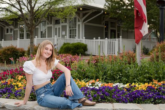 Outdoor Senior Portraits in a modern urban setting for a North Springs High School, Atlanta GA Graduating Senior heading to University of Georgia