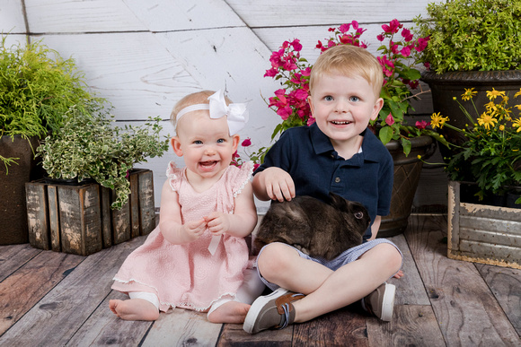 Indoor Studio Mini Sessions for Easter with Kids and Bunnies