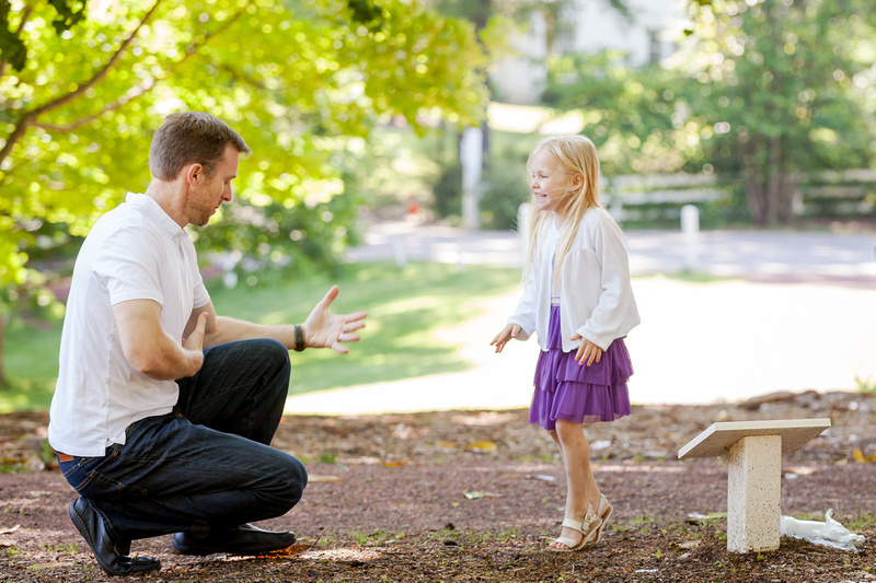 Outdoor lifestyle candid photos for a family of 5 playing outside