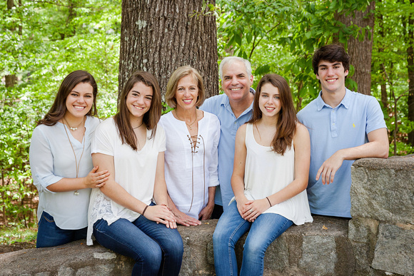 Family of six outdoor photo shoot